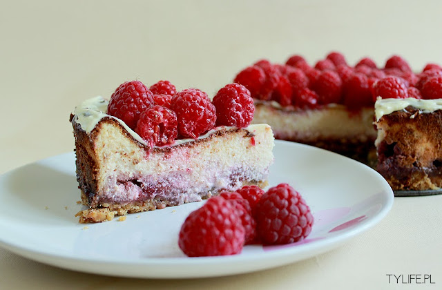 cheesecake with shortcrust pastry