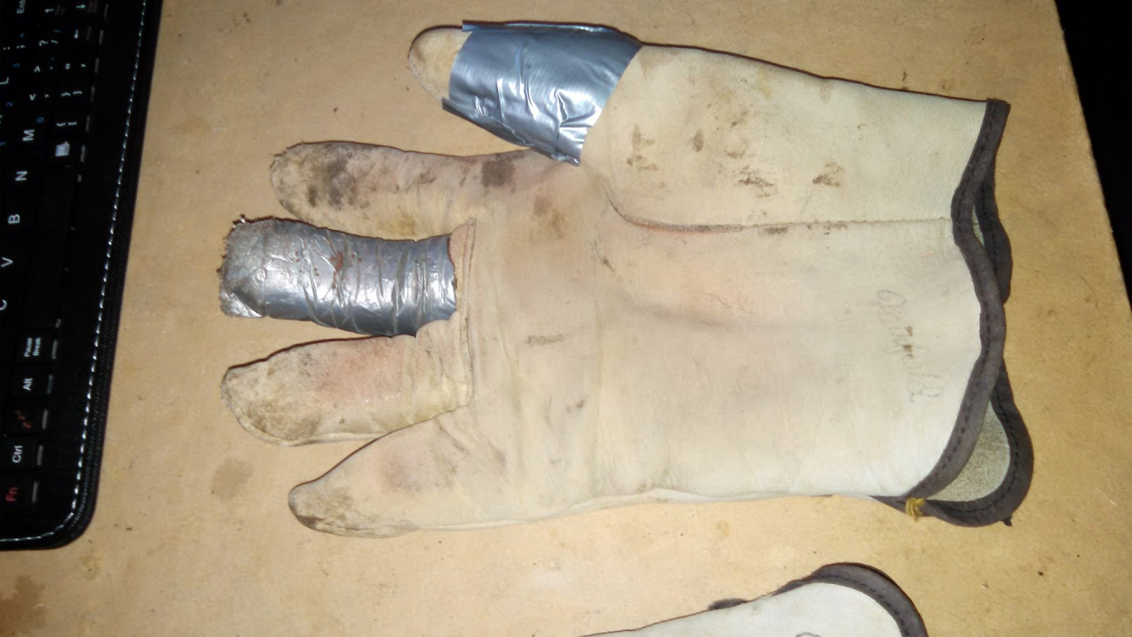 Use Duct Tape to Repair Gloves