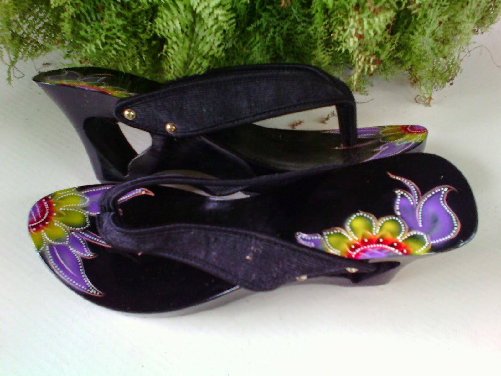 Grosir Sandal Wanita ( Kelom Geulis Tasikmalaya )