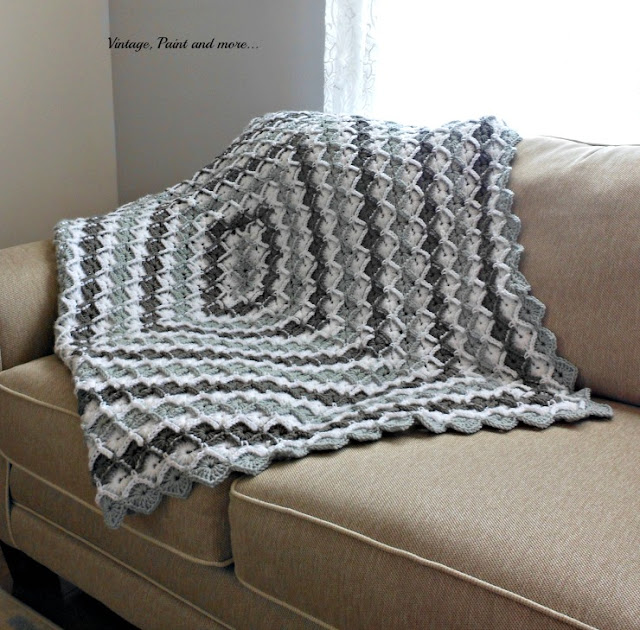 Vintage, Paint and more... crochet afghan from a free pattern in a diamond pattern
