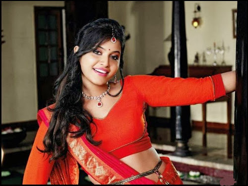 anjali-with-no-films-in-her-hand