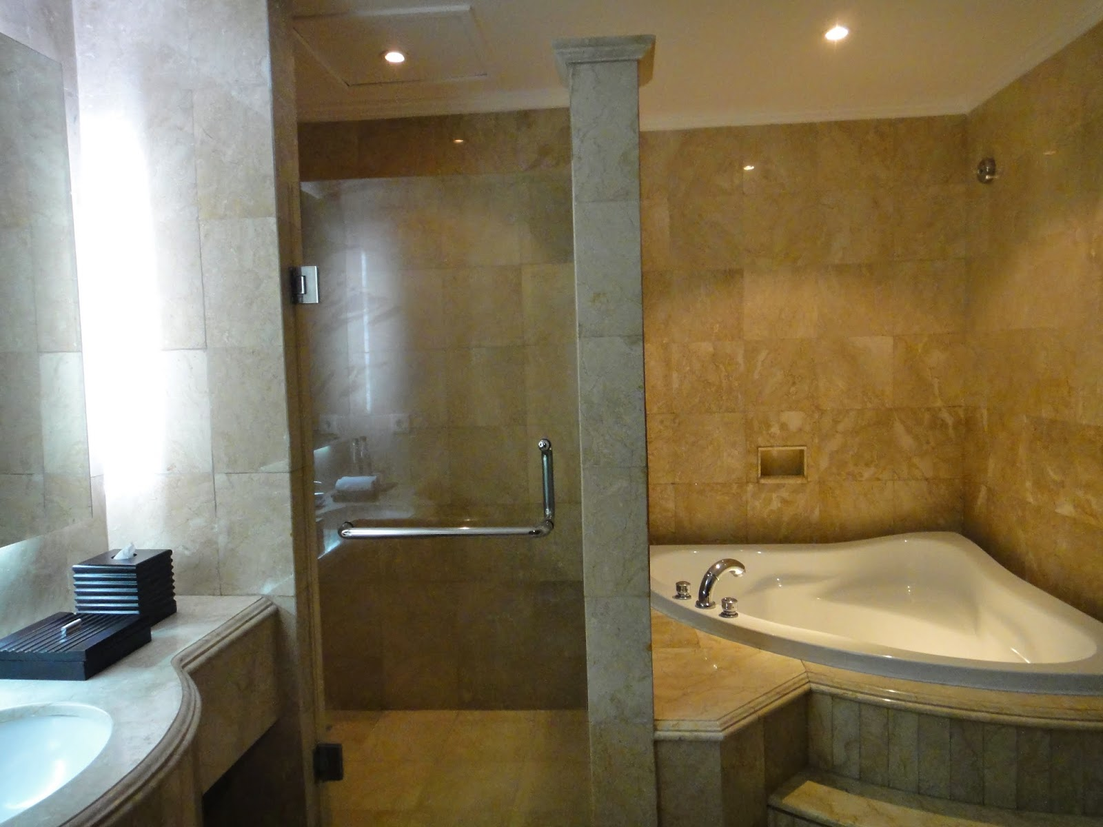 Aston Tanjong Benoa Bathroom