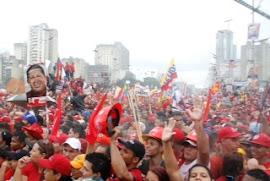 O povo apoia Chávez