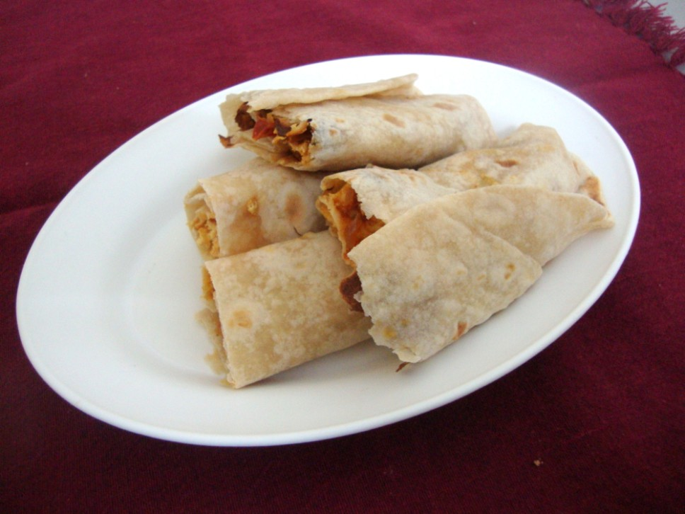 Paneer frankie recipe for kids paneer wraps with step by step recipe forumfinder Images