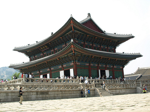 Famous buildings of the world world 39 s most famous buildings for Most famous architecture in the world