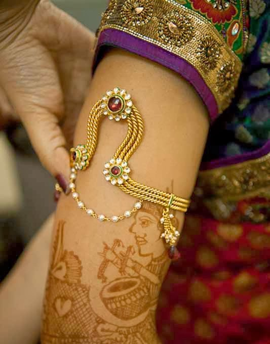 Beautiful arm ornament: Bridal Armbands or Armlets (Baajuband)