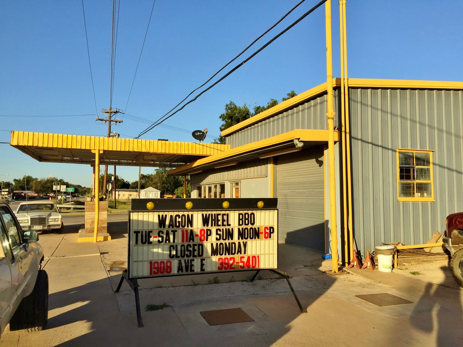 Wagon Wheel BBQ sits in an old Service Station in Ozona.
