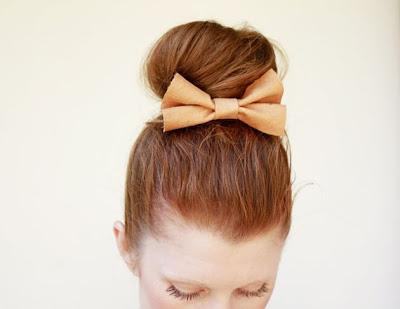 Broches sencillos de fieltro para el cabello