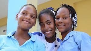 Danilo Medina inaugura escuela en Palenque, San Cristóbal