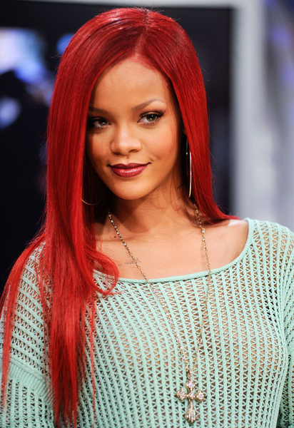 Rihanna Hairstyle Pictures 2011 | Rihanna's Latest Hairstyles Rihanna