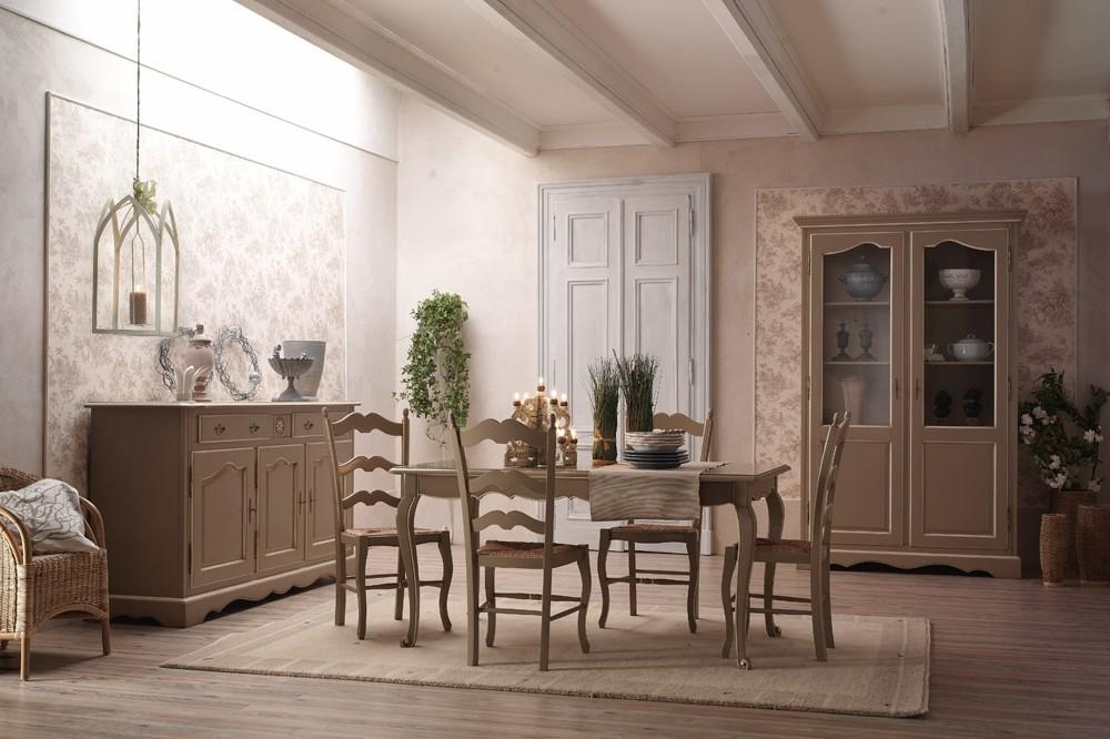 L 39 appartamento al piano di sotto shabby chic country for Arredamento stili