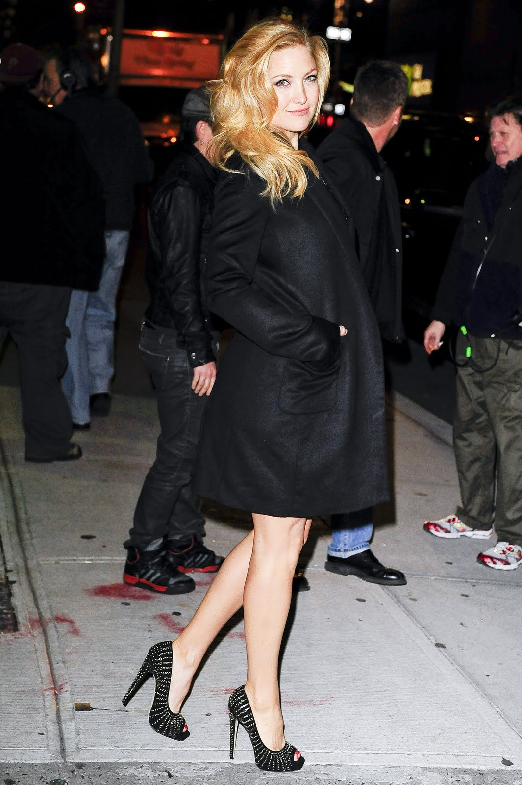 http://2.bp.blogspot.com/-Hd6MD75r0xE/TfzVoEg8DgI/AAAAAAAADhc/l3w7I0XFNJY/s1600/kate_hudson_visits__late_show_with_david_letterman1.jpg
