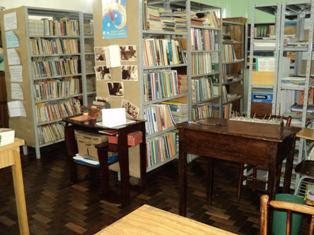 "Biblioteca ""Olavo Bilac"" - ESCJ"