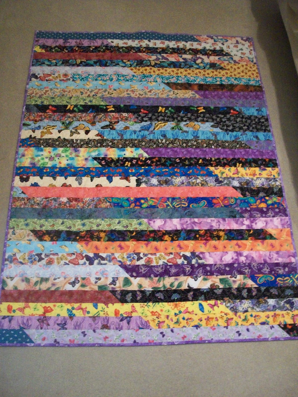 Quilt Pattern Jelly Roll Race : Debbie s Blog: Jelly Roll Race Quilt Finished!