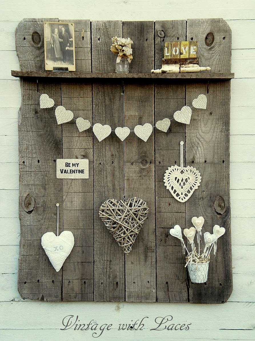 Upcycled Pallet - Pallet Wood Rack with Valentine's Decor