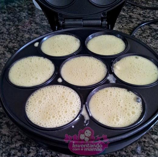 panqueca de banana na cupcake maker