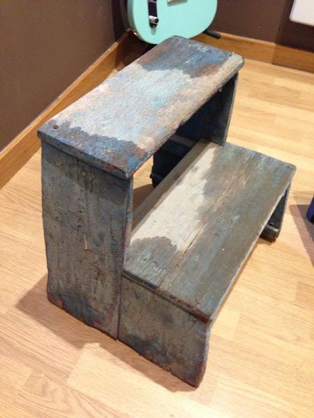 Escaleras con peldanos hacer bricolaje es for Banqueta escalera 3 peldanos