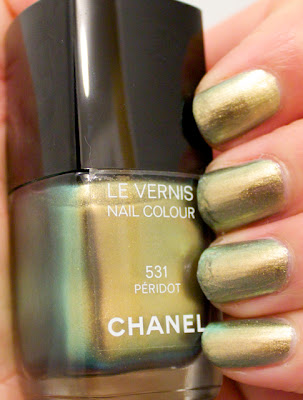 chanel peridot fall collection nail polish
