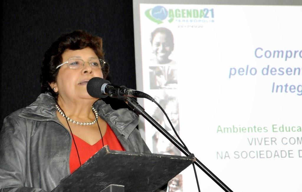 Palestrante Lucila Martinez: conhecimento para a conquista de direitos