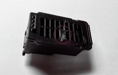 tapar orificio superior de cartucho para la instalación de sistema continuo