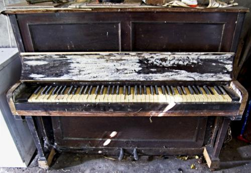 photo old piano - photo #30