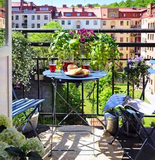 Apartment balcony garden designs for Balcony garden design ideas