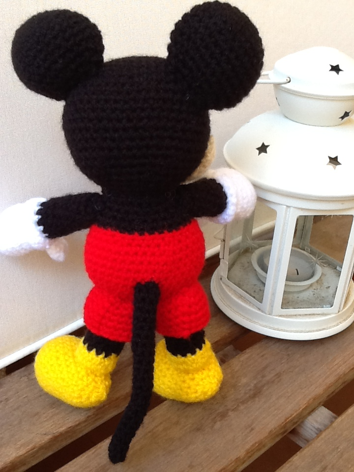 Sweet Dollies: AMIGURUMI MICKEY MOUSE
