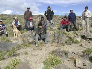 COMUNEROS Y REGANTES EN CHUPUYPUNTA A 4600 mtsnm