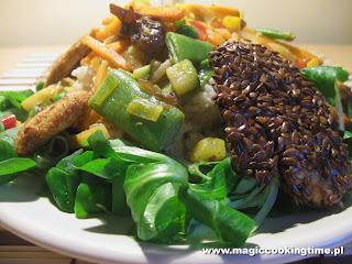 Zasady przyrządzania surówek i sałatek - Orientalna sałatka z kurczakiem