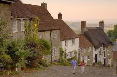 Ngeri dan Indah Jalanan Curam di Kota Shaftesbury, Dorset, Inggris