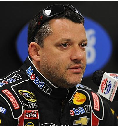 and Pictures: Tony Stewart Breaks His Right Leg in Sprit Car Racing