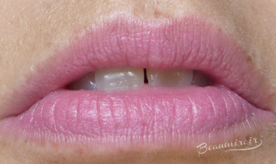 Burberry Lip & Cheek Bloom in No 03 Hydrangea cream blush lip swatch