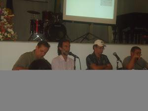 Professores:  Carlos  Chenaud,  coordenador  da  mesa  de  Arranjos  Musicais