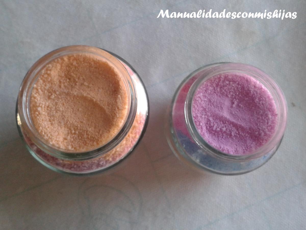 Adornando tarritos de sal pintada y truco para que no se mueva la sal