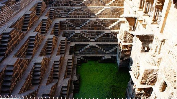 بئر الدرج، أعمق بئر مائي في العالم C50.jpg