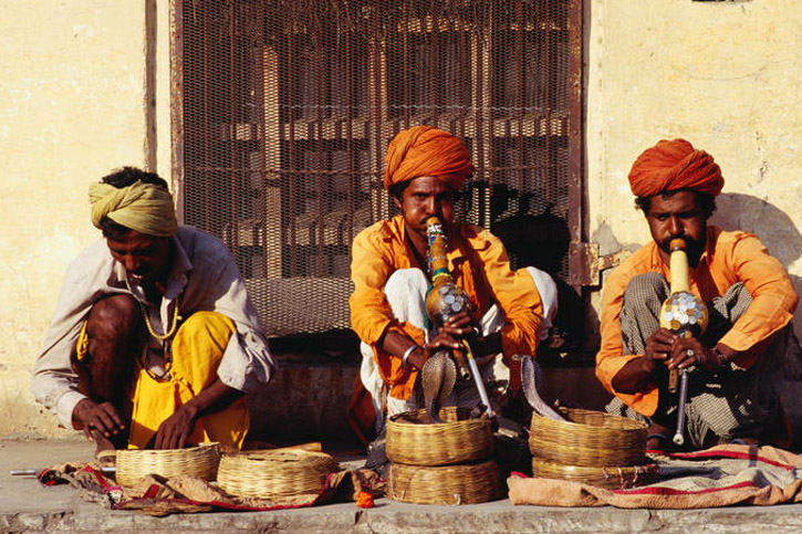 India, Snake Charmers, Jaislamer traditions, Lonely Planet, traditional culture