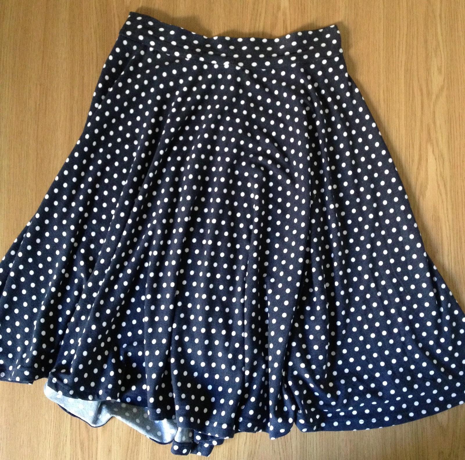 Diary of a Chain Stitcher : Polkadot Jersey Circle Skirt