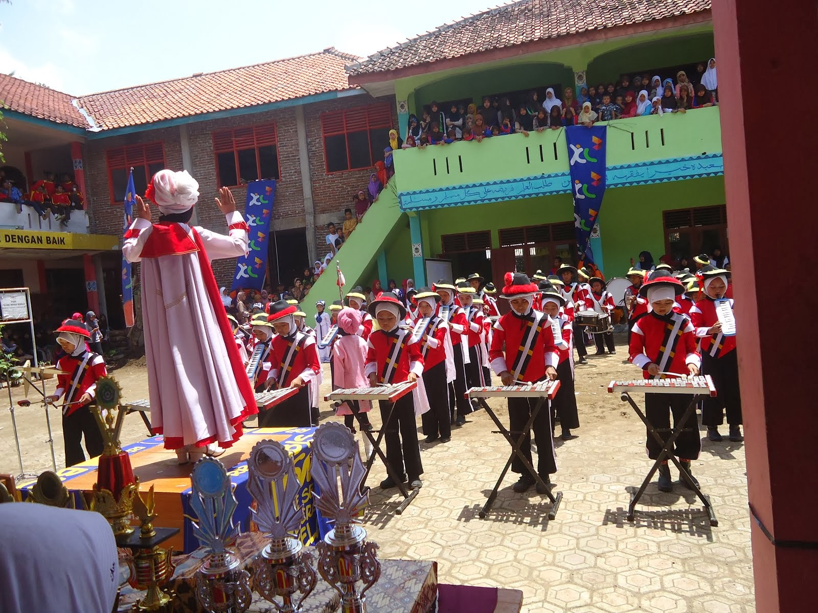 Lomba Drum Band di Al Azhar