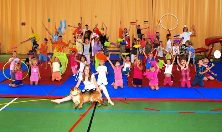 Ecole-de-Cirque_10-07-09.jpg