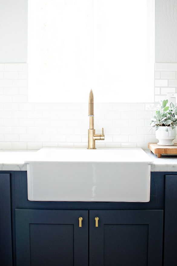 Black Kitchen Sink With Faucet
