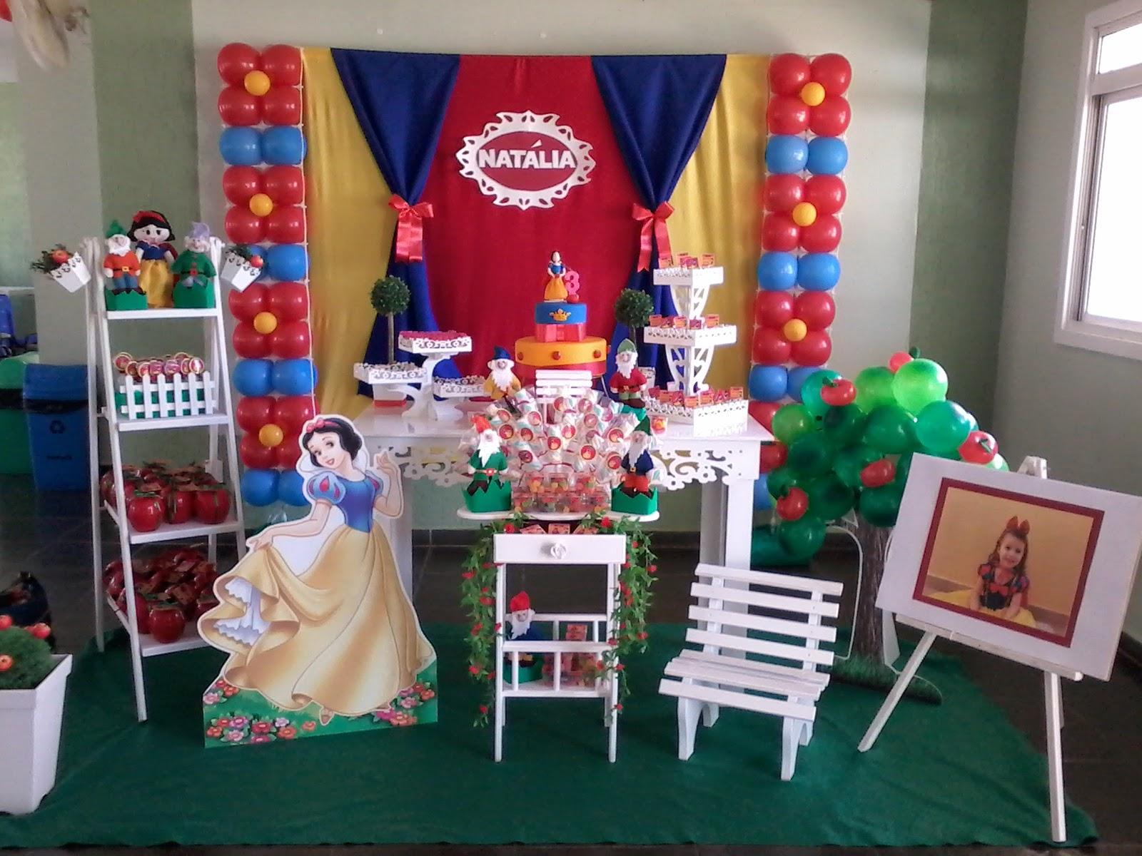 decoracao festa infantil branca de neve provencal:painel em tecido foge do tradicional e valoriza o nome da criança