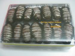 Kurma Coklat/ Choc Almond Dates