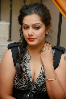 Reva Hot Cleavage Show Photo