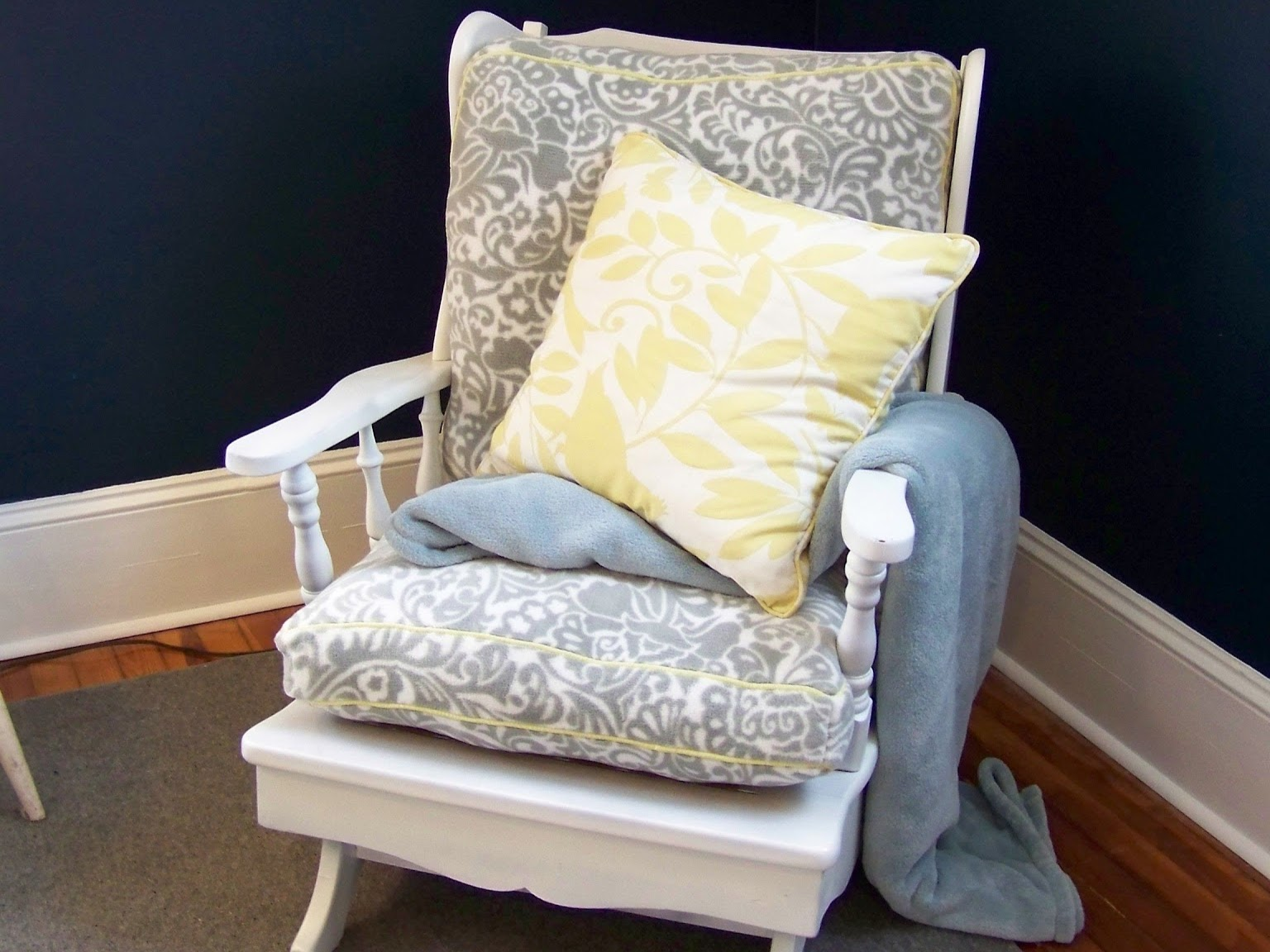 seesaws and sawhorses rocking chair makeover. Black Bedroom Furniture Sets. Home Design Ideas