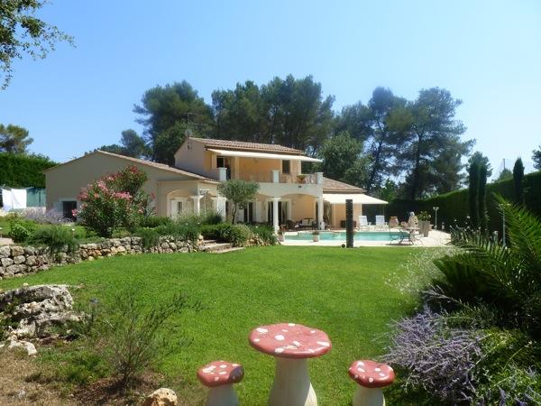 Wonen aan de c te d 39 azur neo proven aalse villa te koop in mougins euro - Provencaalse terras ...