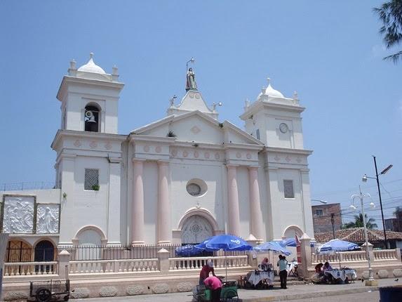 La Iglesia de Sensuntepeque en Cabañas