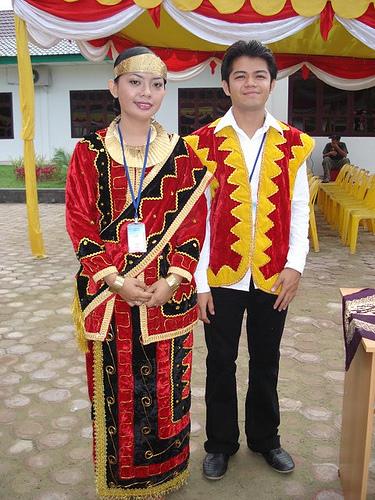 I Love Indonesia: pakaian adat indonesia