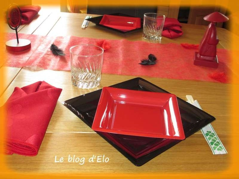 Le blog d 39 elo d co de table japon en noir et rouge for Service de table noir