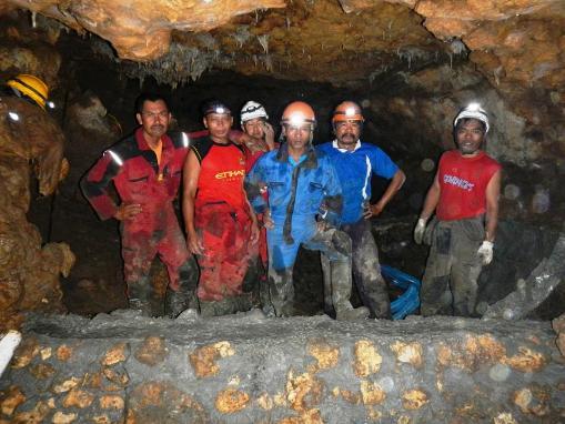 pengangkatan air gua suruh