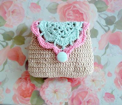 free crochet retro clutch pattern